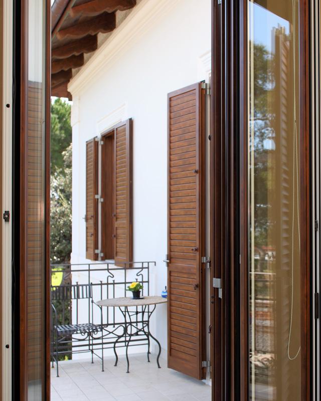 Persiane legno alluminio folusci tolentino macerata for Folusci infissi tolentino